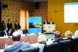 Holland Fellows presenting at Fudan University during Shanghai Forum.